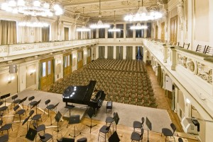 Dennis Russell Davies named Artistic Director and Principal Conductor of the Brno Philharmonic Orchestra